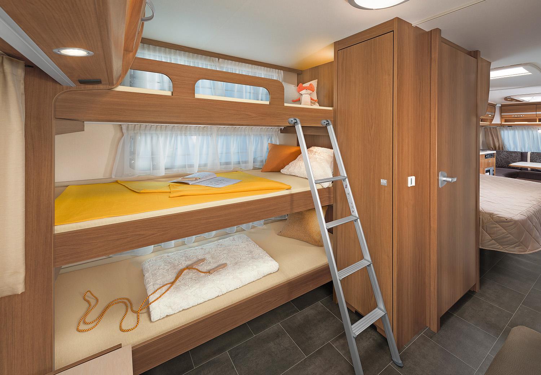 dethleffs nomad wohnwagen. Black Bedroom Furniture Sets. Home Design Ideas