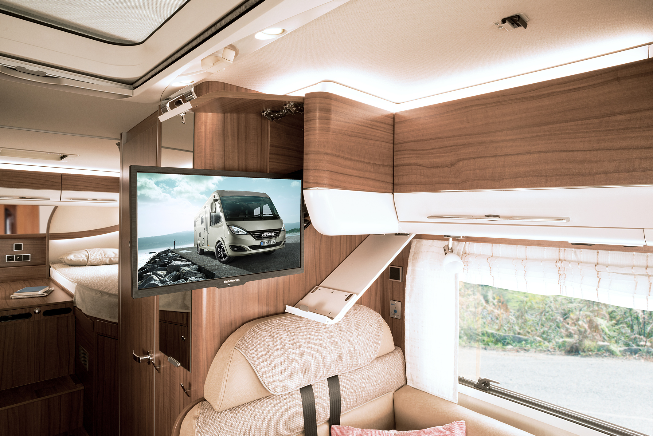 hymer b klasse dynamicline wohnmobile. Black Bedroom Furniture Sets. Home Design Ideas