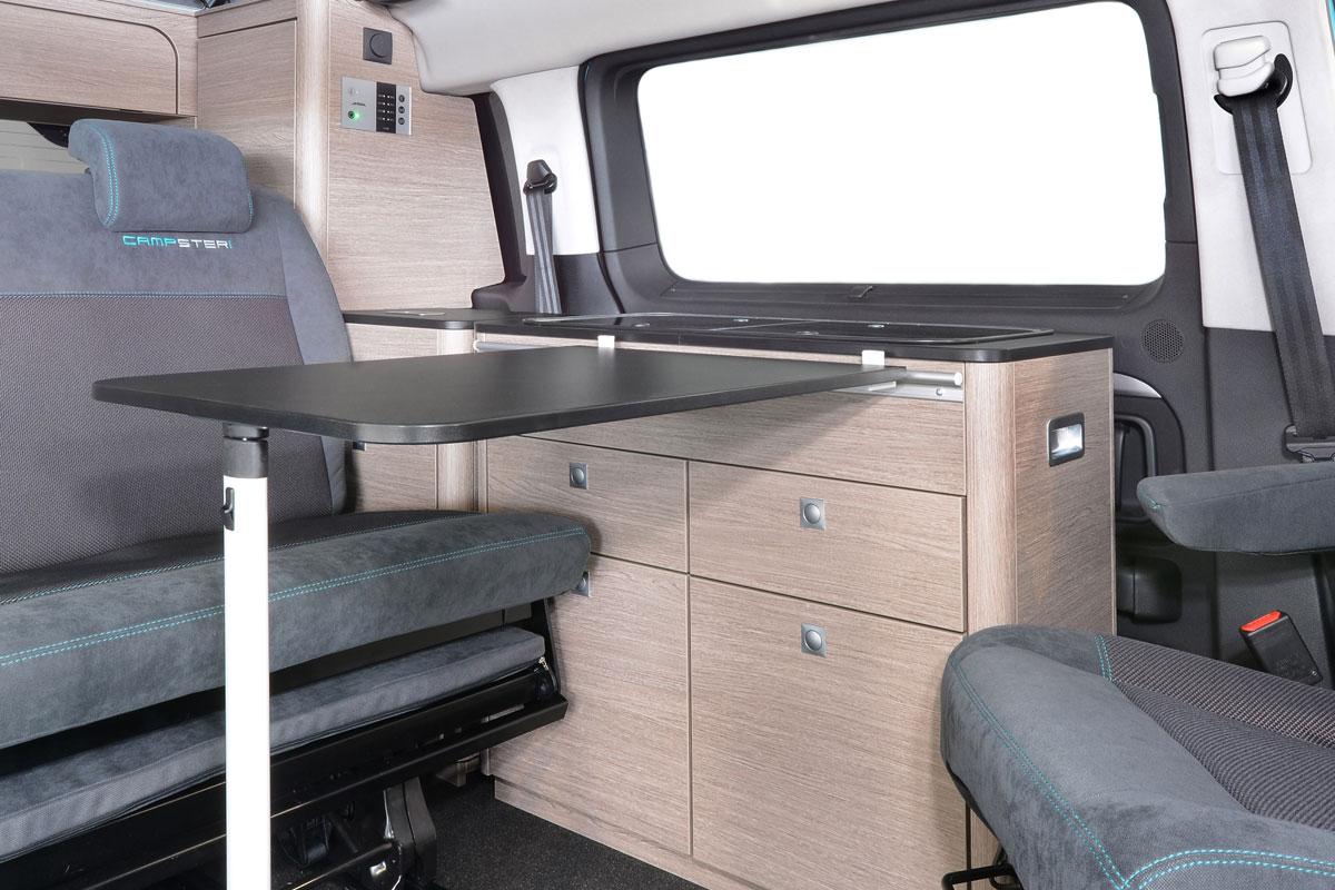 Campingbus Tisch.Pössl Campster Der Eine Für Alle S Wohnmobile