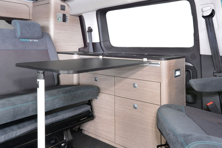 POESSL CAMPSTER - CAMPSTER BUS KUECHE TISCH