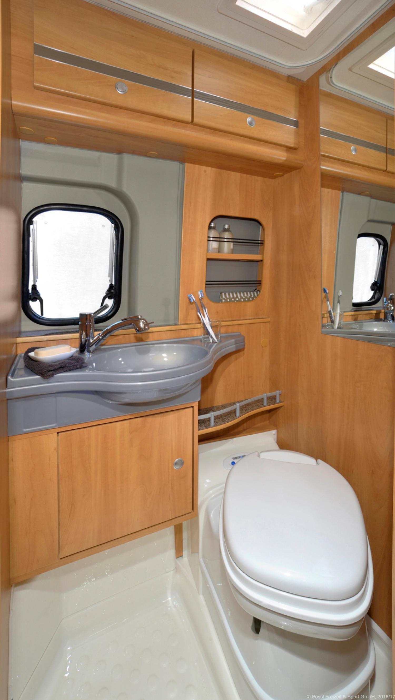 p ssl roadcamp wohnmobile. Black Bedroom Furniture Sets. Home Design Ideas