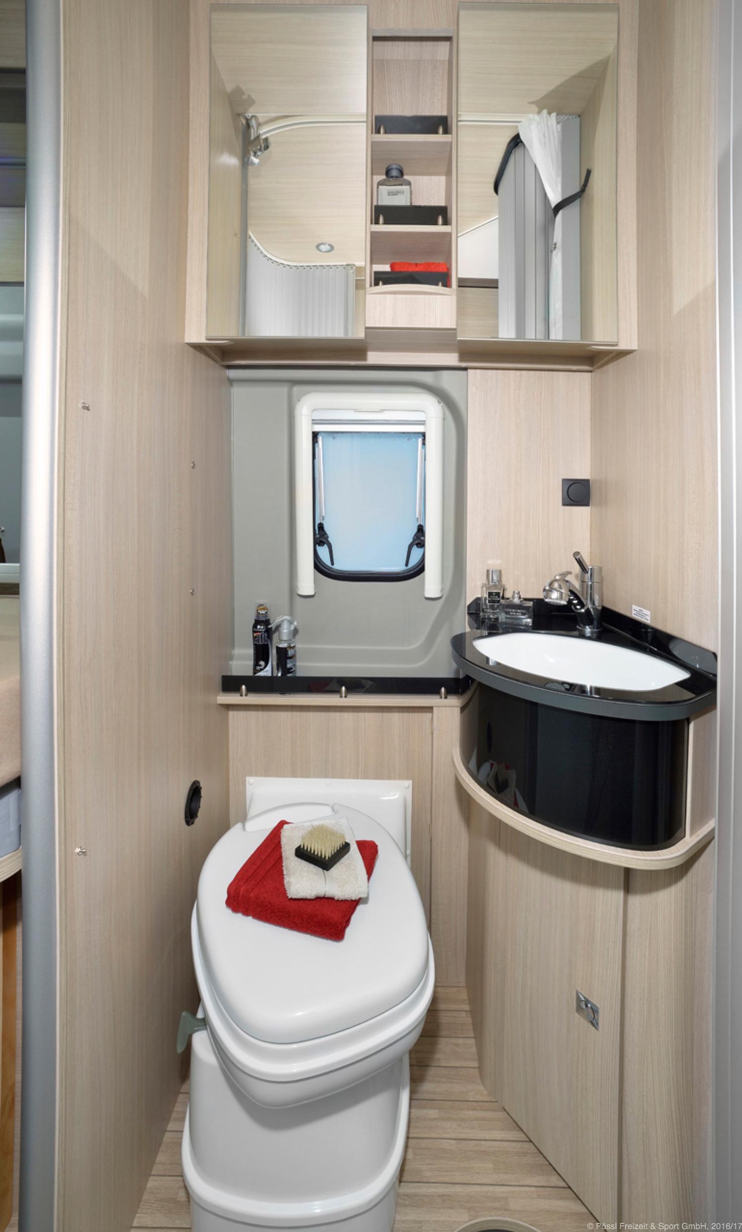 p ssl roadcruiser revolution wohnmobile. Black Bedroom Furniture Sets. Home Design Ideas