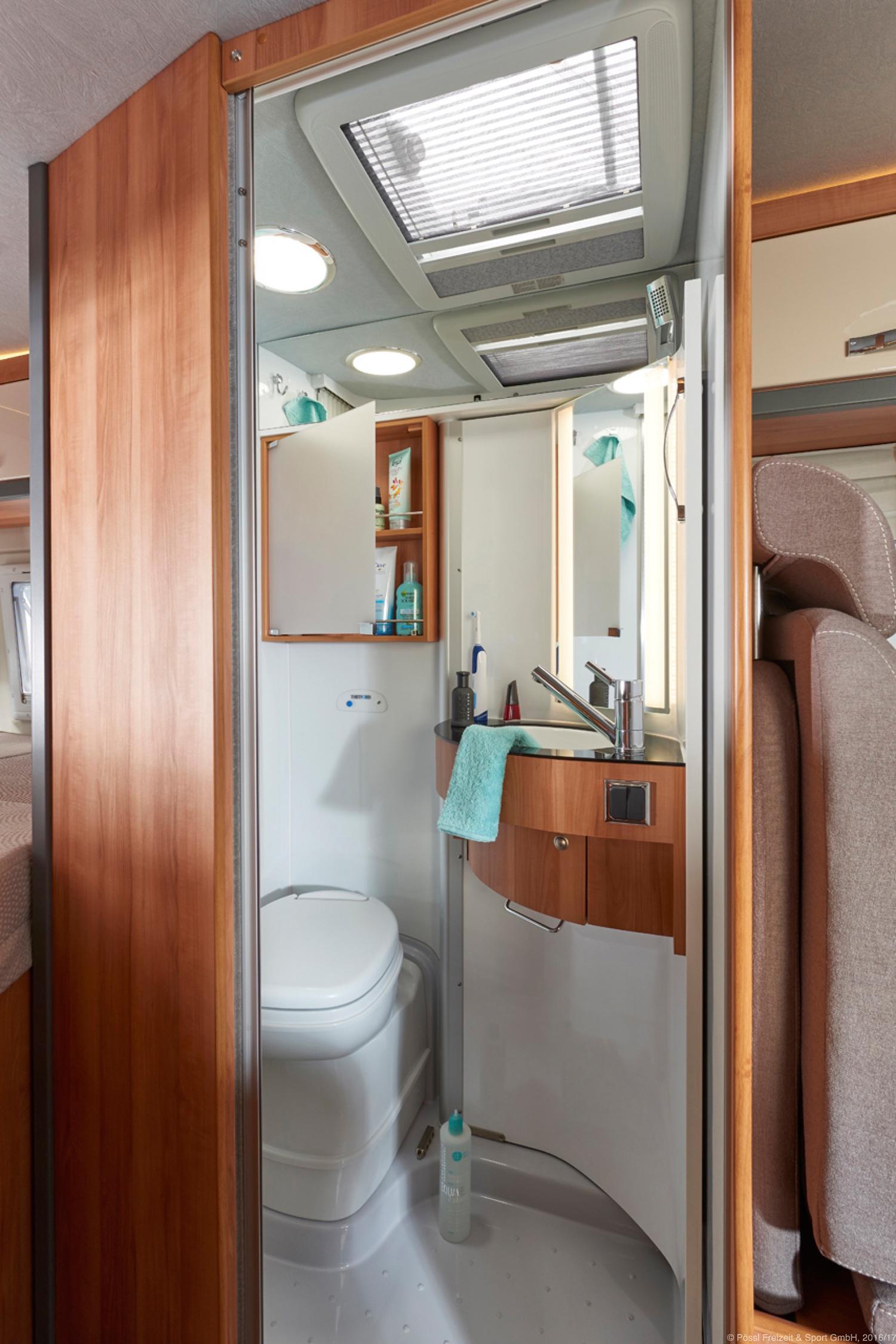 p ssl summit 600 wohnmobile. Black Bedroom Furniture Sets. Home Design Ideas