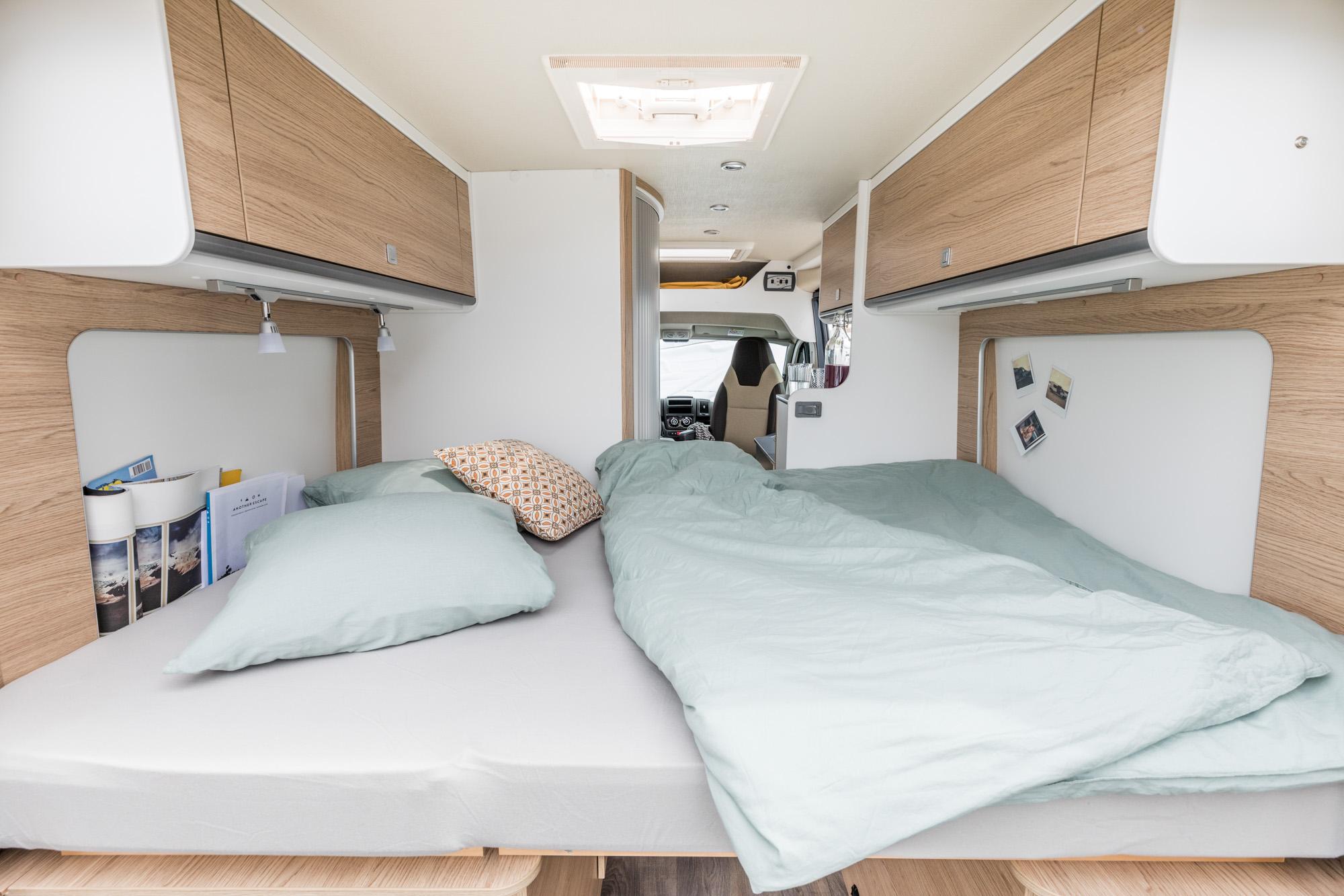 Wohnwagen Sunlight Etagenbett : Sunlight cliff kastenwagen wohnmobile